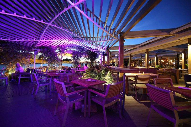 Harbour cookhouse & Club - cierran la AP. lilic