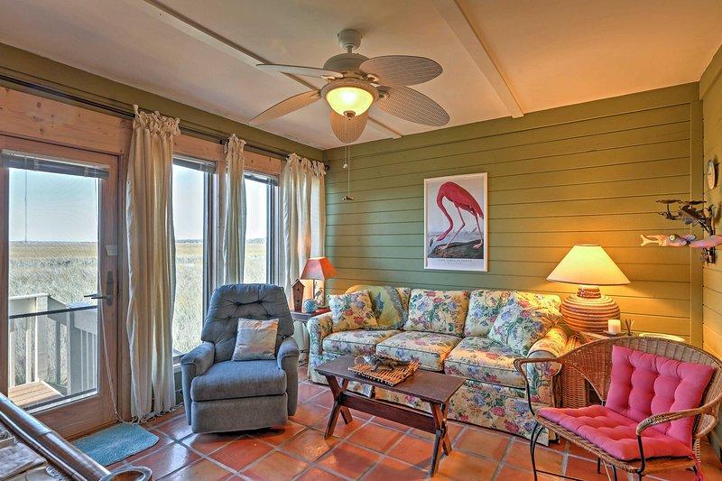 Durante el tiempo de inactividad, sala de estar en esta sala y leer un buen libro.