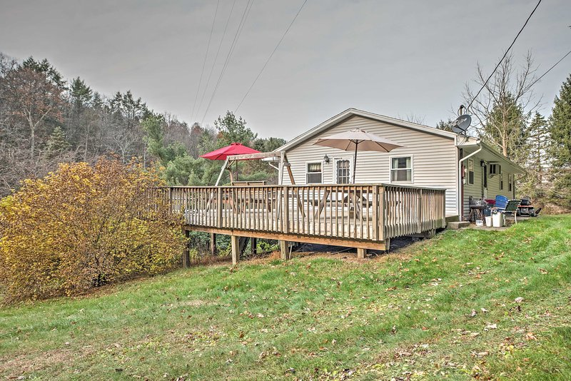 Situada en 10 acres, esta casa de Catawissa es un retiro pacífico de PA.