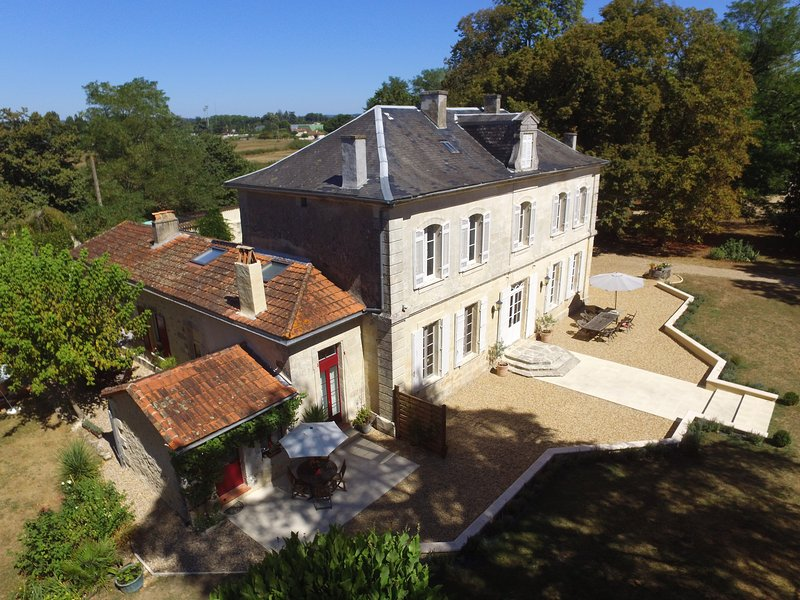 Flexible 4 bedroom accommodation for up to 7 guests in the self contained west wing of Villa Magnieu