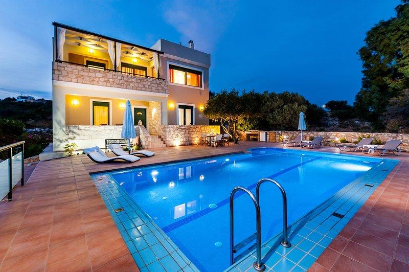 Rena Luxury Villa, Megala Chorafia Chania, location de vacances à Malaxa