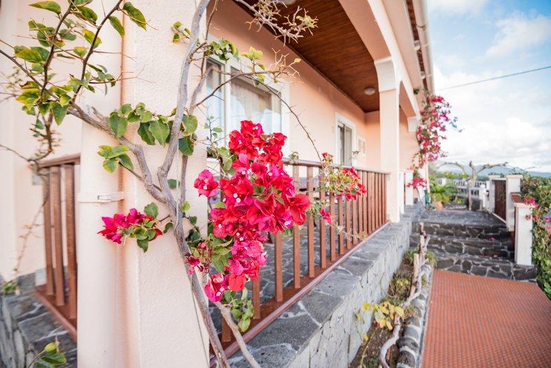 MIRADOURO SUITE - Miradouro Da Papalva Guest House - Pico Island - Azores, holiday rental in Sao Mateus