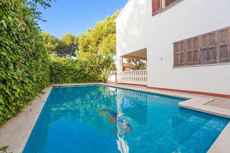 VILLA ESPERANZA - Villa for 10 people in Playa de Muro, casa vacanza a Playa de Muro