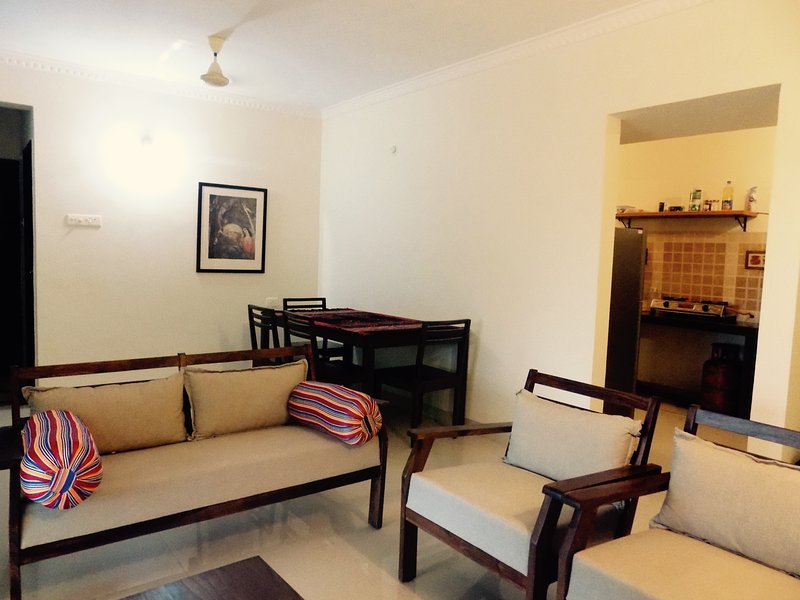 2bhk luxury apartment in Candolim, holiday rental in Nerul