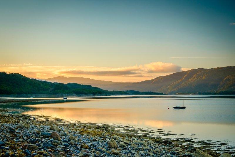 Loch Sunart, von der Wohnung entfernt, kurz vor Sonnenaufgang