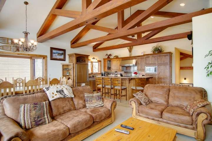 You'll Feel at Home at the Benderosa * Eagles Overlook