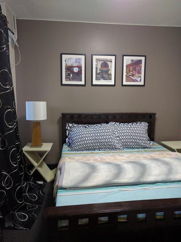Room1 c / w cama grande