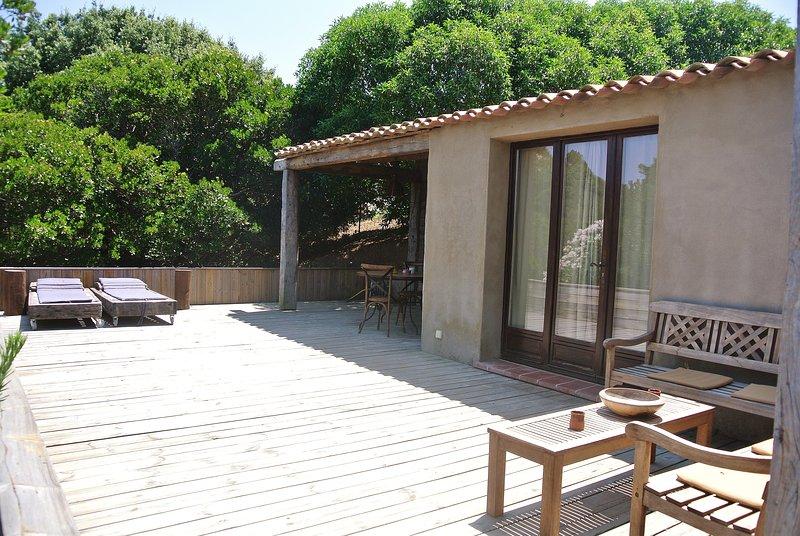 Petite maison proche des plages de Sant'Amanza, holiday rental in Bonifacio