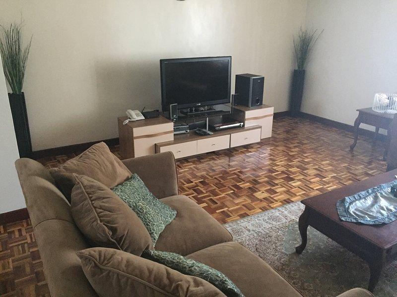 Fully Furnished Family Friendly Apartment, alquiler de vacaciones en Nairobi