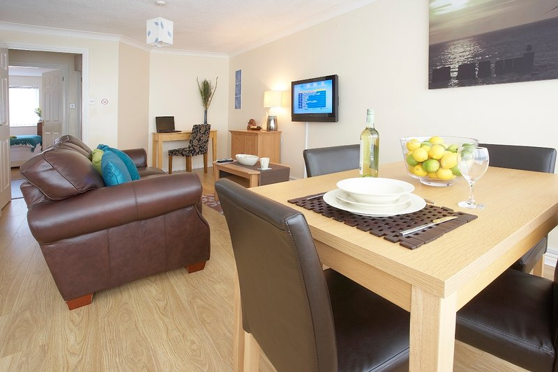Two Bedroom Apartments in South Row, holiday rental in Whaddon