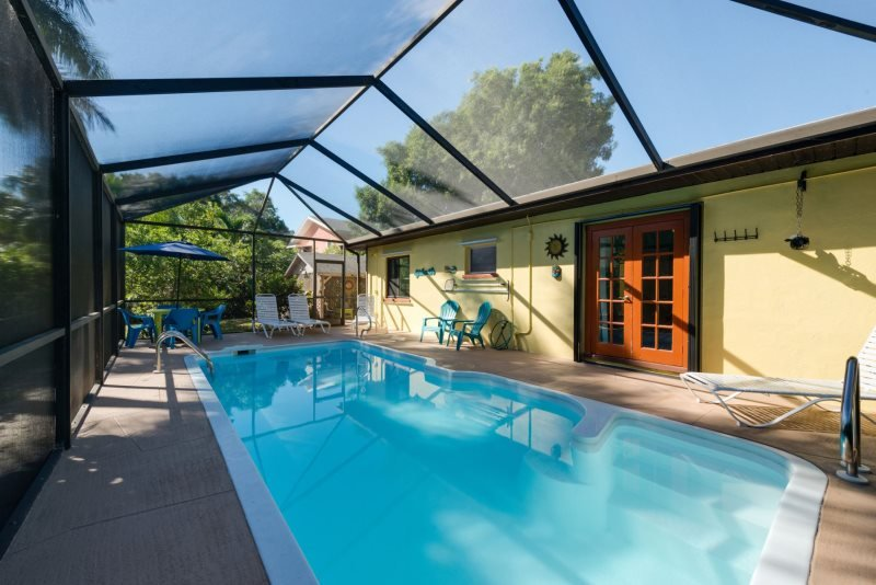 1/22: Isle del Sol pricate pool with screened in lanai