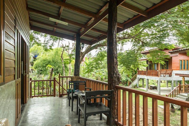 Jule Red Villa, Koh Phangan, Thailand, vacation rental in Baan Tai