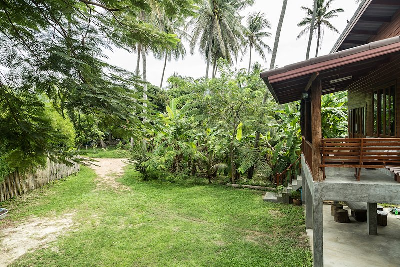 Jule Blue Villa, Koh Phangan, Thailand, vacation rental in Baan Tai