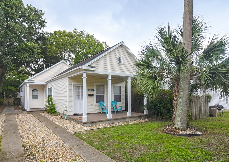 Downtown Pensacola Bungalow for Short Term Rental for Business or Leisure