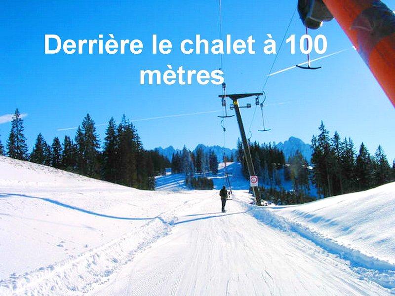 Tire fesse à 100 m; pas besoin de la voiture pour skier