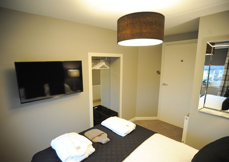 second bedroom with double bed, Egyptian cotton linen, flat screen T.V. USB port