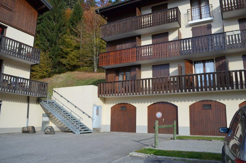 Joli appartement remis à neuf avec parking,enplacement vélos, wifi – semesterbostad i Les Carroz-d'Araches