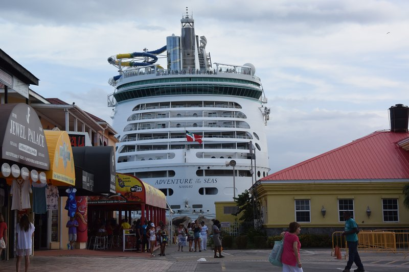 Cruise ship at Port Zante