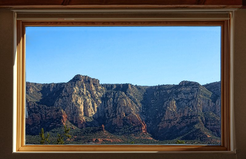 Vue du Salon et mezzanine Non illustré: 2ème fenêtre avec des vues imprenables égales