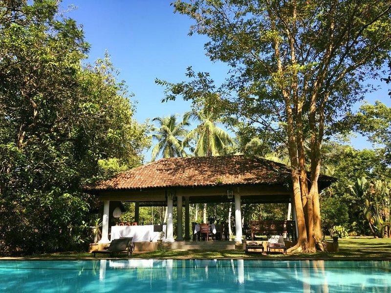 A Private Villa & Estate in Bentota, holiday rental in Induruwa