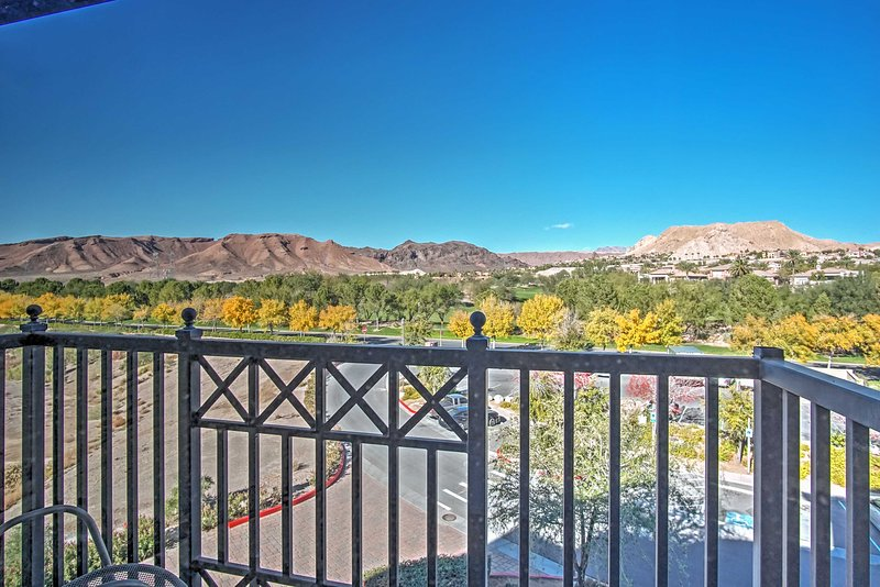 Set against the backdrop of Black Mountain, this condo has 3 balconies.