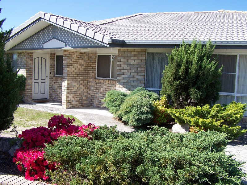 Cedar Lodge Stanthorpe Holiday Apartments, holiday rental in Liston