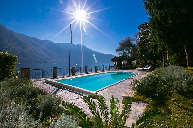 Moltrasio Villa Sleeps 16 with Pool Air Con and WiFi - 5841232, holiday rental in Moltrasio