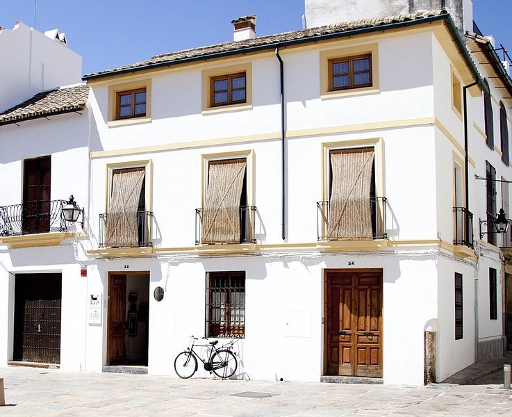 Beautiful and central house for up to 8 guests, Ferienwohnung in Córdoba