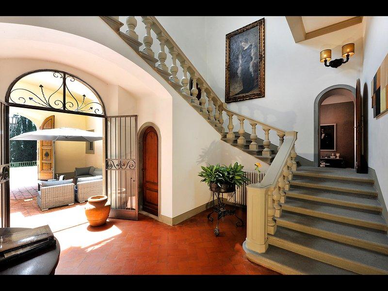 escalera principal de Villa