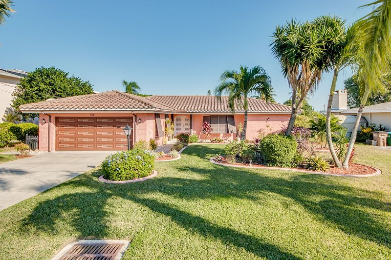 Villa Sinatra - only minutes to the River, Ferienwohnung in Cape Coral