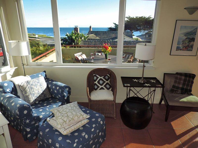 vista para o mar a partir da sala de estar