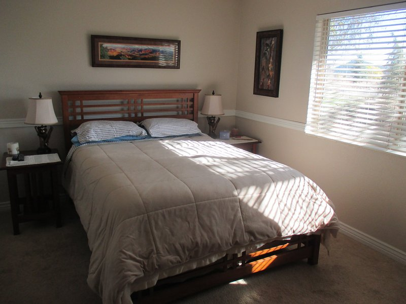 San Francisco Peaks Wildernest - Guest Bedroom, holiday rental in Flagstaff