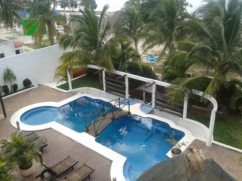 LAST MINUTE! Beautiful Beach House free for XMas and New Year in Yucatan, vacation rental in Chunkanan