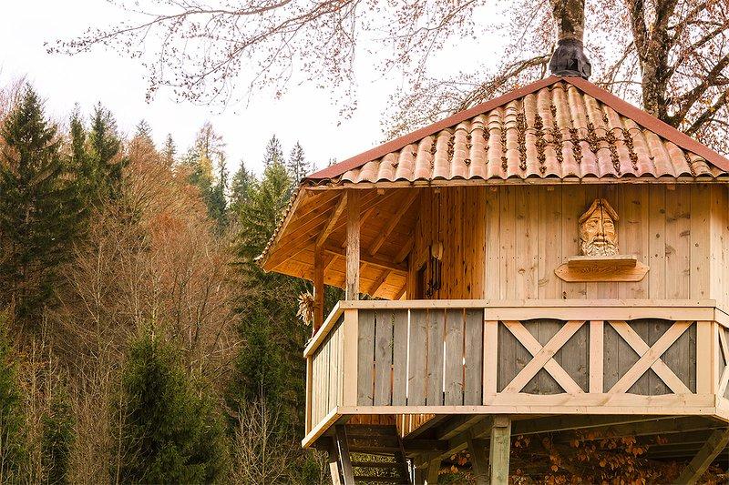 DOLOMITI VILLAGE  casa sull albero, location de vacances à Sutrio