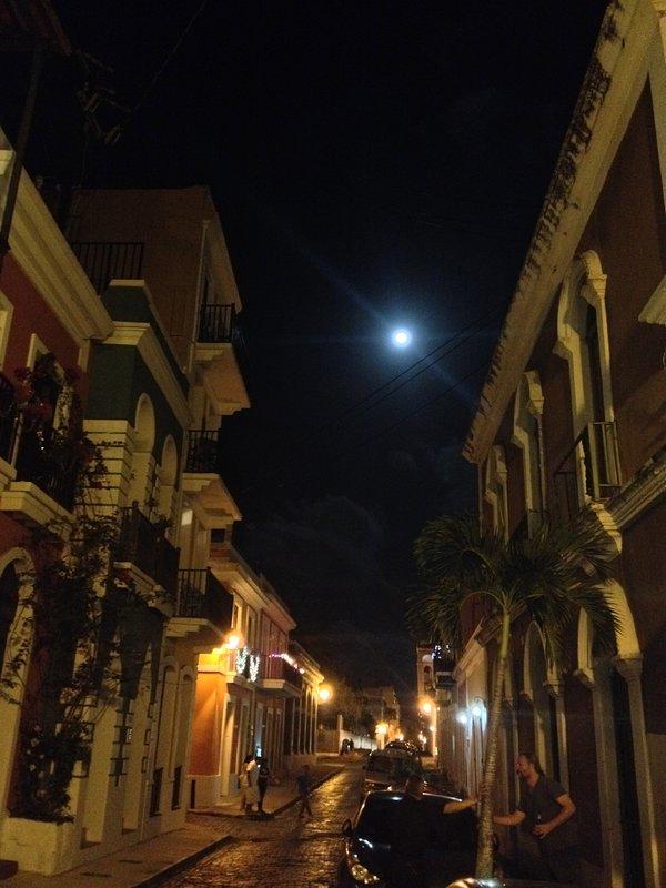 Viejo San Juan, en la luz de la luna