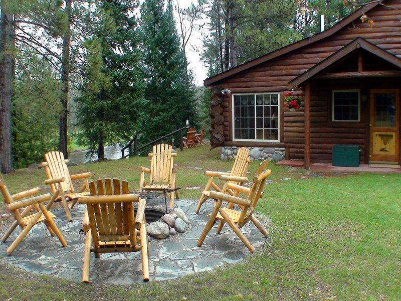 firepit Cabin-side