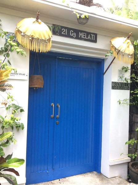 The Blue door to Mason satu