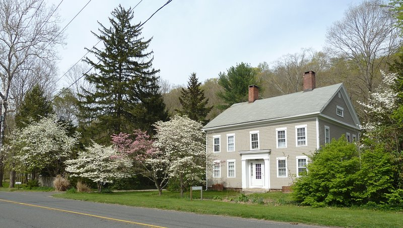 Springtime at the 1795 Home in the Historic Village