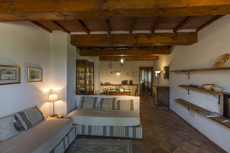 Casa Vacanze Le Fornaci - Appartamento Zi Toni, vacation rental in Pieve A Maiano