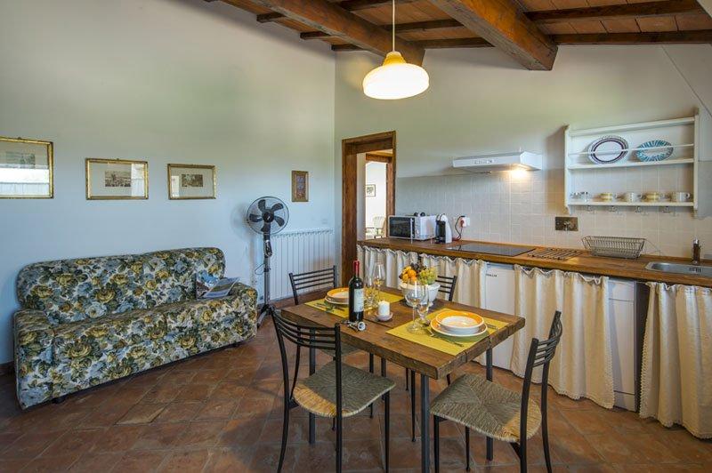 Casa Vacanze Le Fornaci - Appartamento Giambardino, vacation rental in Ponticino