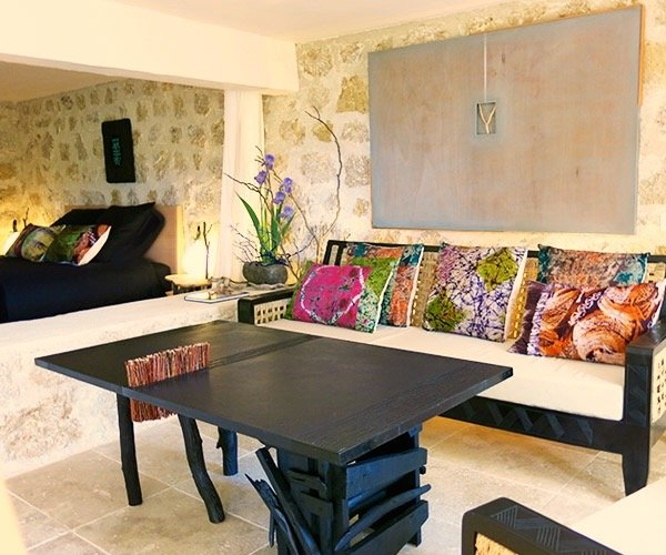 'Design' Apt. In World Famous Garden, holiday rental in Greolieres