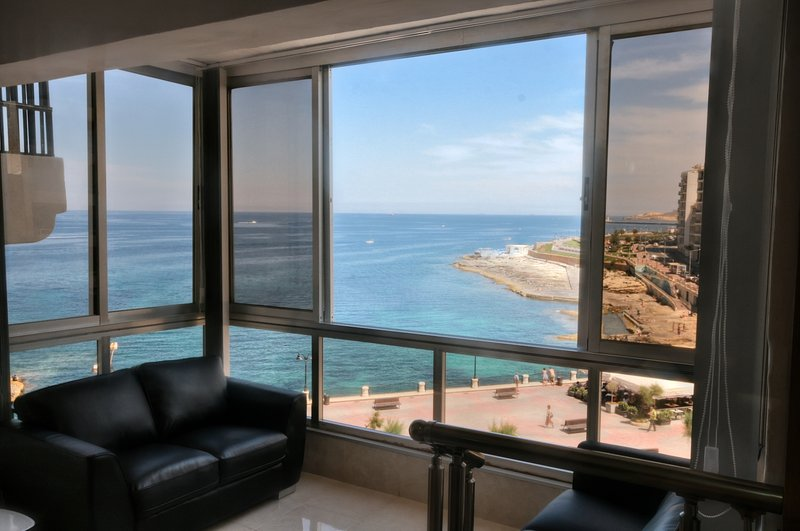 Apartment located in the heart of Sliema - touristic hub of Malta