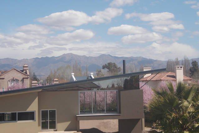 Vista de los Andes desde el patio trasero.