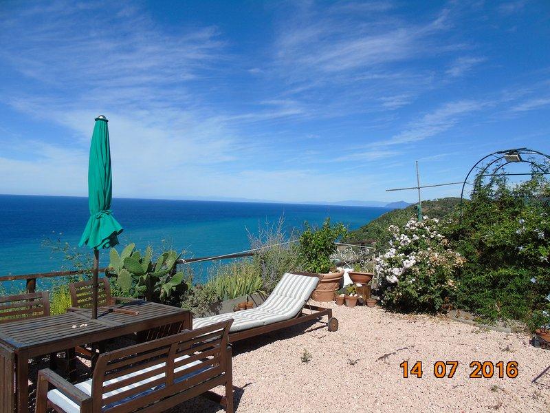 Mar da Ligúria grande terraço frontal entre Bonassola e Levanto golfo em Carlino Cap