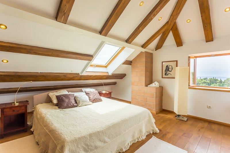 Villa Anica-Deluxe bedroom near Dubrovnik Old Town, vacation rental in Dubrovnik