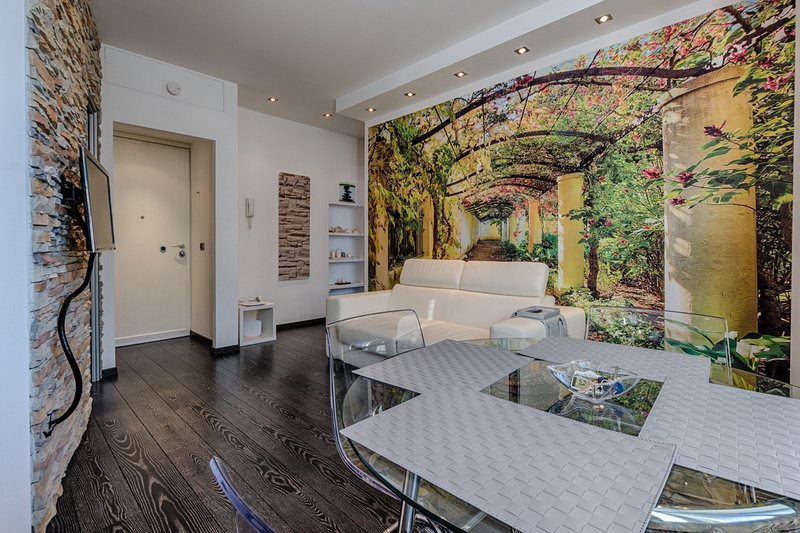 Casa Vacanze Macchi - elegante vicinissimo alla Stazione, vacation rental in Milan