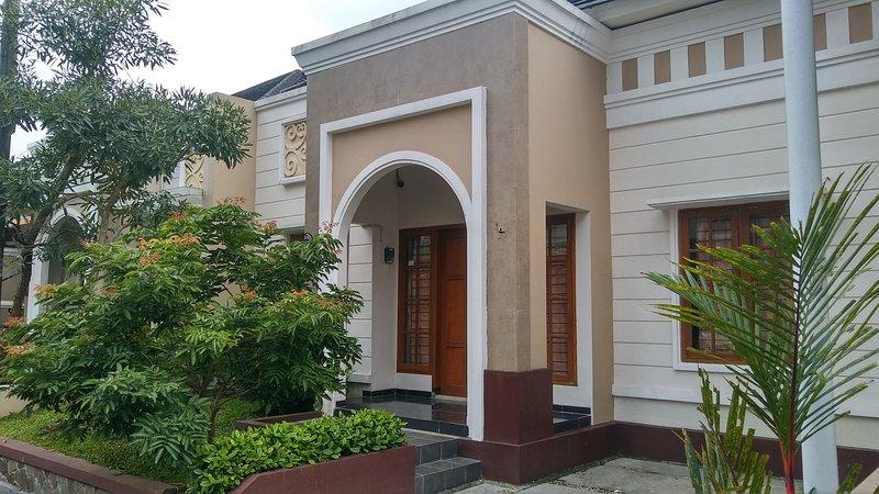 Shafira Guest House, aluguéis de temporada em Purwokerto