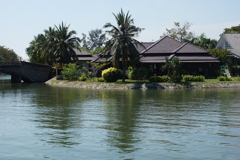Villa and Bungalow from the canal