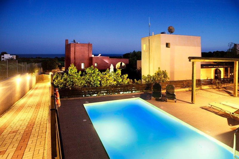 Blue Sky Villa Calypso with private pool, Gennafi, Rhodes, vacation rental in Gennadi