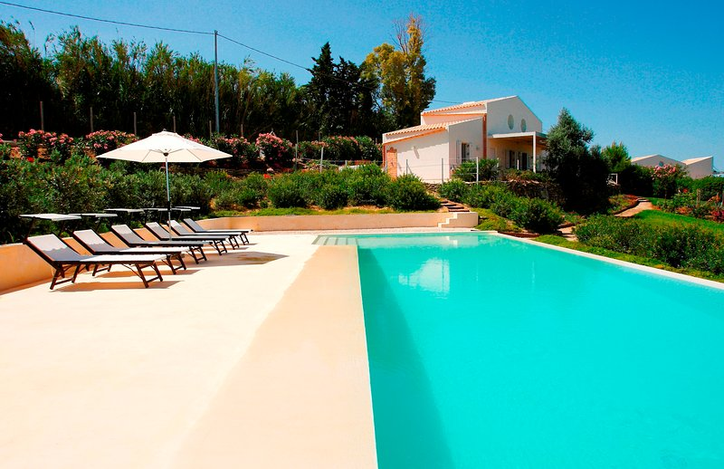 Selinunte Country house with pool near the beach, holiday rental in Castelvetrano
